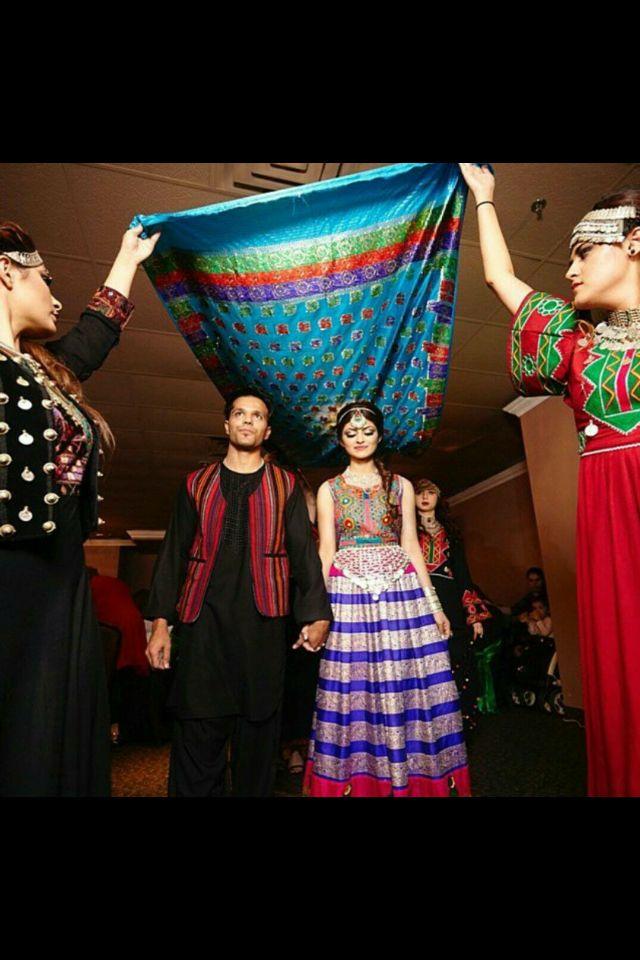 Afghan dress | Afghanistan nomadic textiles | Afghani ...