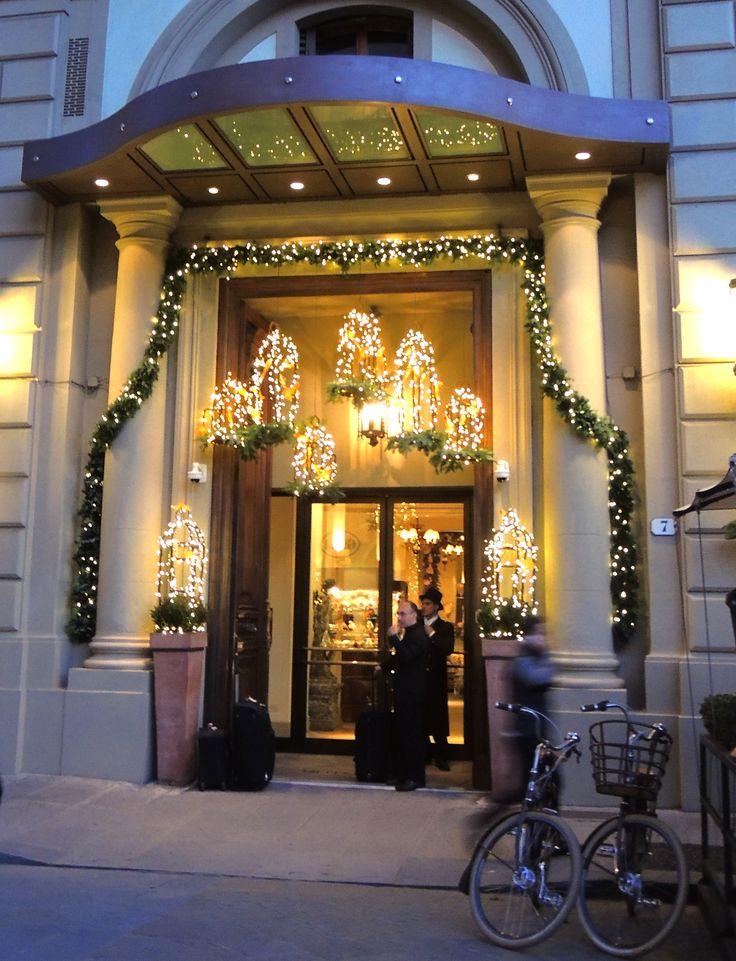 El recibimiento navideño que dan a sus huéspedes los hoteles europeos #navidad #bienvenida