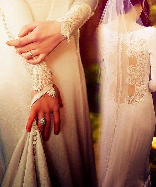 It might be Bella Swan's wedding dress,  but it's still gorgeous.