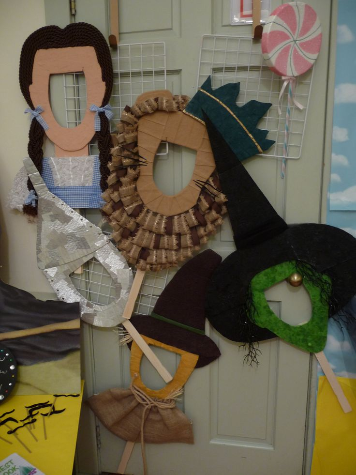 Wizard Of OZ photo booth props.  Made out of cardboard and fabrics.  Craft by Erin Mitchell