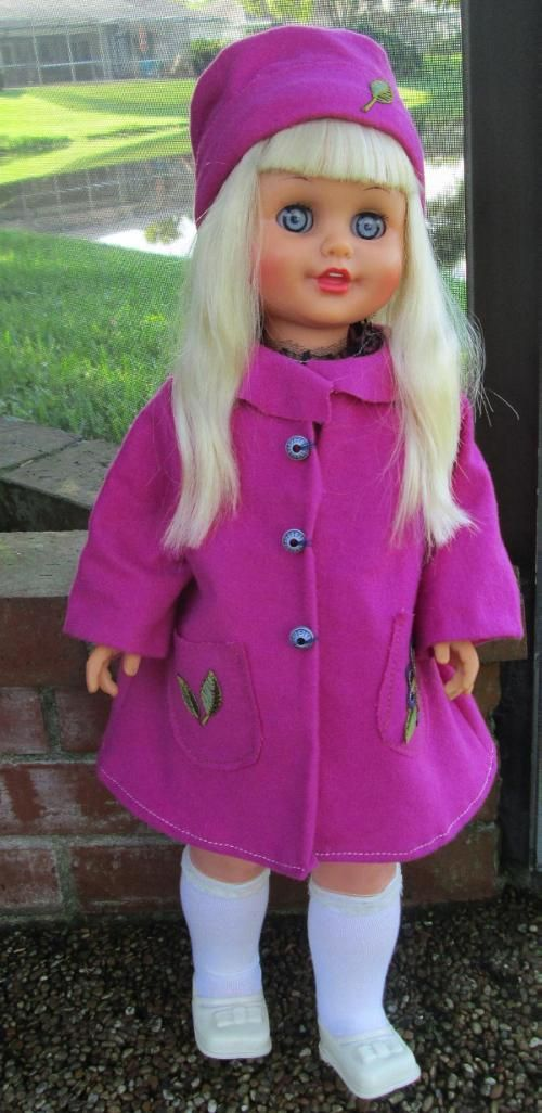 Leonora Lili Ledy Doll from the 70's Talking Singing and Walking with me doll. Muñeca Leonora Lili Ledy. Habla, Canta y Camina conmigo.