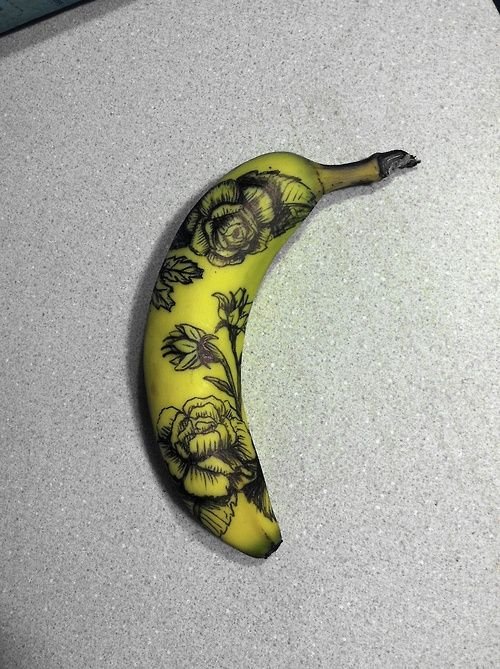awesomemodifications:   someone asked earlier what tattoo artists practice on before human skin.here is a tattooed banana, one of the option...