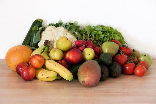 124. Biokiste   Gemüse: 2 Zucchini, 1 Blumenkohl, 1 Bund Radieschen, 1 Salatgurke, 1 Eichblattsalat, 500 g Strauchtomaten  Obst: 1 rote Grapefruit, 3 rote Pflaumen, 3 gelbe Pflaumen, 3 Bananen, 4 Nektarinen, 1 Mango, 3 Avocados, 4 Birnen   --  Gesamtsumme: 24,88 EUR Anbieter: momo.abo-kiste.com