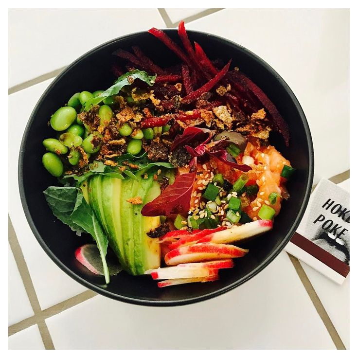 The Poke trend has arrived in Cape Town. Fish and other ingredients are chopped up into bite sized morsels and served in a bowl. This bowl of freshness has been instagrammed hundreds of times since Hokey Poke opened its doors in February.