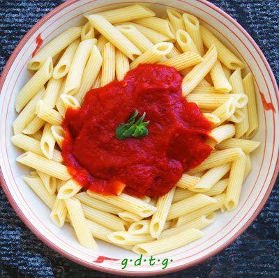 Το Ελληνικό Χρέος στη Γαστρονομία: Πένες με σάλτσα από κόκκινες πιπεριές