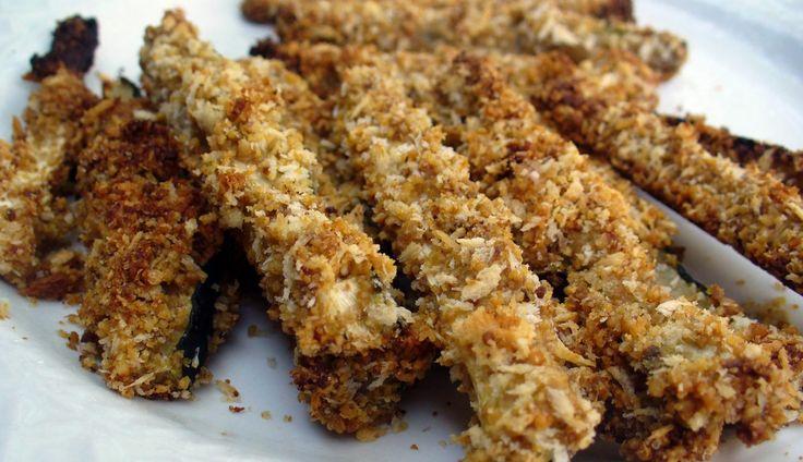Zelf friet maken is zó leuk om te doen en het zal je verbazen hoe ontzettend lekker dit recept is. Weer eens iets anders dan aardappel en net zo makkelijk om...