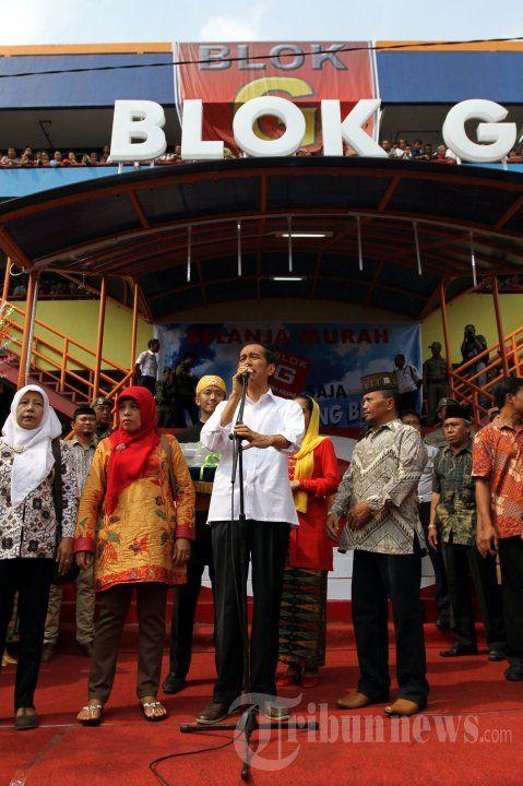 Gubernur DKI Jakarta, Joko Widodo meresmikan Pasar Blok G Tanah Abang Jakarta Pusat, Senin (2/9/2013). Pasar dikhususkan untuk pedagang kaki lima (PKL) yang selama ini berjualan di pinggir jalan sekitar pasar Tanah Abang. TRIBUNNEWS/HERUDIN