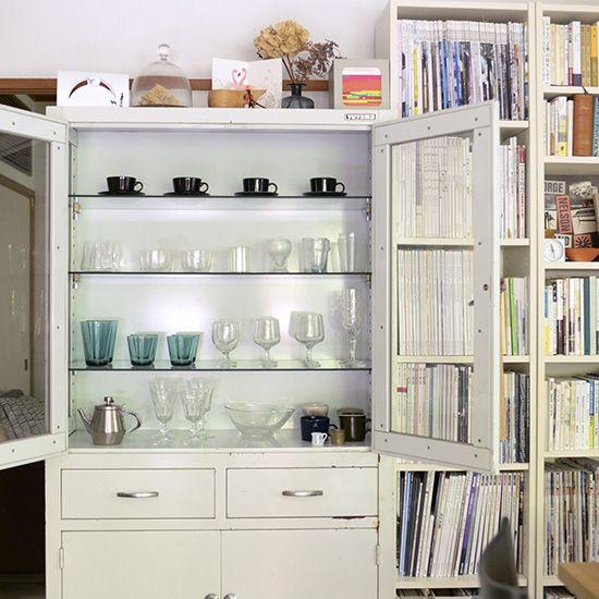 【私たちの食器棚事情】第2話:使い勝手もワクワクも大事。ママ一年生の食器棚 – 北欧雑貨と北欧食器の通販サイト   北欧、暮らしの道具店