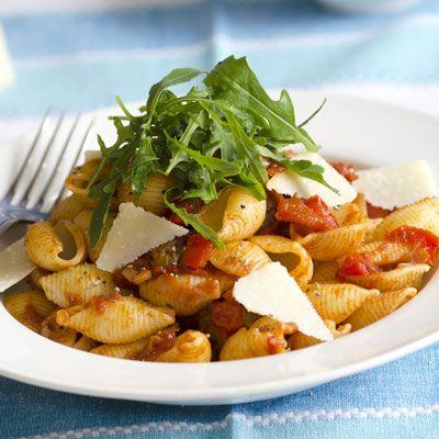 Hipergyors olaszos, paradicsomos tészta - Ropogósra sült sonkával : Egy gyors és finom tésztarecept mindig jól jön a háznál, csak pár perc, és kész is van!
