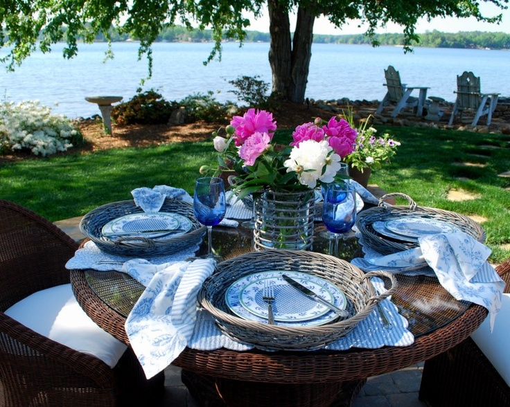 .Alfresco Dinning, Tables Sets, Tables Design, Wicker Chargers, Baskets, Dsc00192, Entertainment Ideas, Outdoor Entertainment, Alfresco Dining