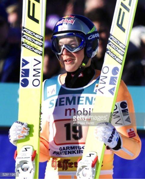GARMISCH PARTENKIRCHEN GERMANY JANUARY 01 VIERSCHANZENTOURNEE 01/02 Garmisch Partenkirchen NEUJAHRSSPRINGEN Andreas GOLDBERGER/AUT