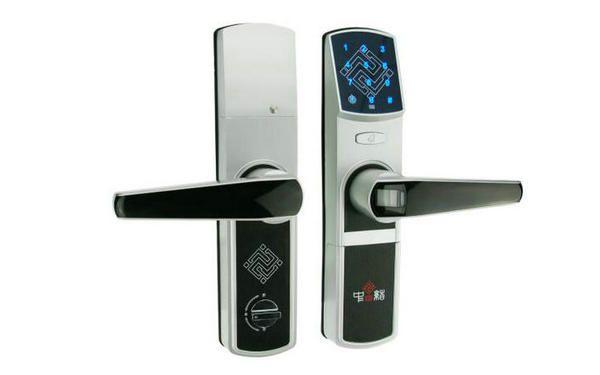 Smart Door Lock In 2020 Smart Door Locks Door Locks Biometric Door Lock