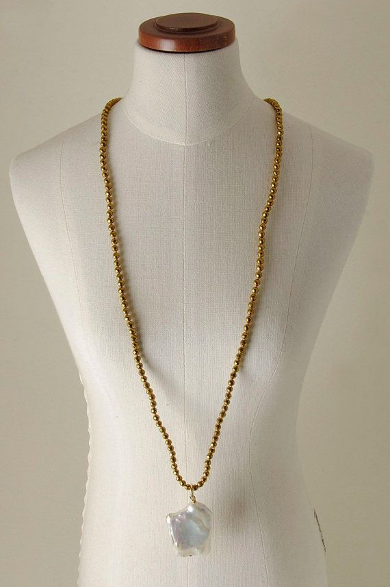 Pearls, colored Pyrite and metal necklace