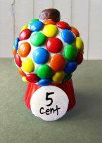 Had jij vroeger ook een kauwgomballenmachine? Nu maak je deze met M&M's op jouw #cupcake. Kijk voor het #recept op: http://www.oetker.nl/nl-nl/recept/r/cupcake-kauwgomballenmachine.html #kauwgombal