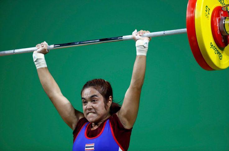 Sopita Tanasan gewann als vierte Thailänderin olympisches Gold im Gewichtheben....