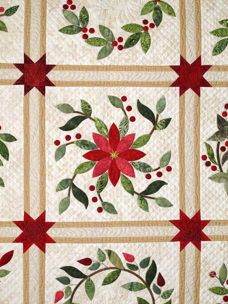 close up, More Merry Berries by Niki Vick. Overall Award for Machine Quilting, Large. Austin Area Quilt Guild 2014 show.