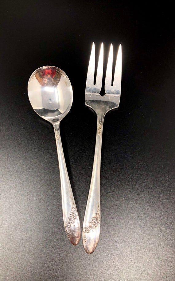 4 Vintage Teaspoons Oneida Tudor Community Plate QUEEN BESSII Silverplate