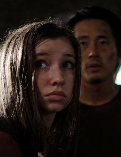 Glenn and Enid in The Walking Dead Season 6 Episode 9   No Way Out