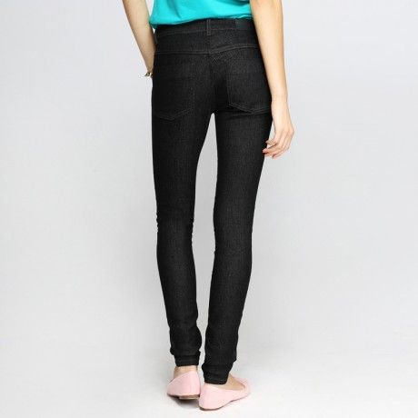88 Fitted Skinny Jeans in Jet Black