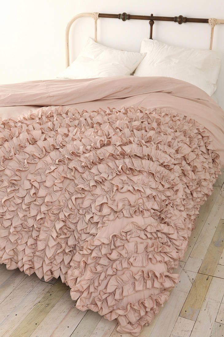 Learn to ruffle. Buy cheap IKEA duvet cover, second hand sheets and ruffle up some bedding!---oh my goodness! SO GOING TO WANT TO DO THIS!!!: Ruffles Beds, Urban Outfitters, Beds Spreads, Duvet Covers, Bedspreads, Ikea Duvet, Ruffles Duvet, Girls Rooms, Ruffles Comforter