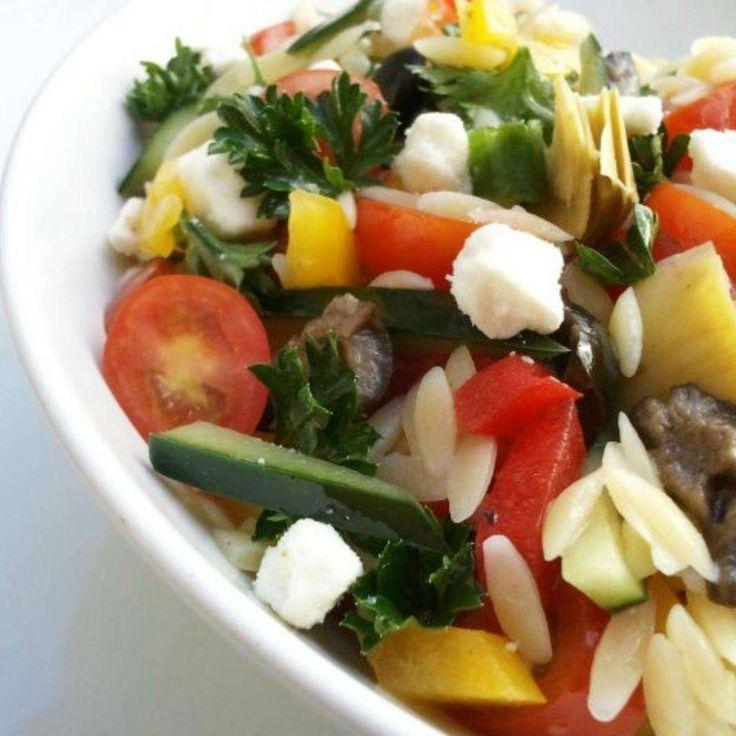 Griechischer Orzo-Salat