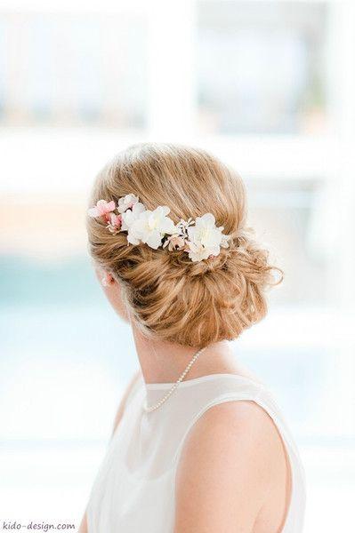 Haarschmuck Blüten Blütenkamm Braut Haarblüten von kido-design auf DaWanda.com