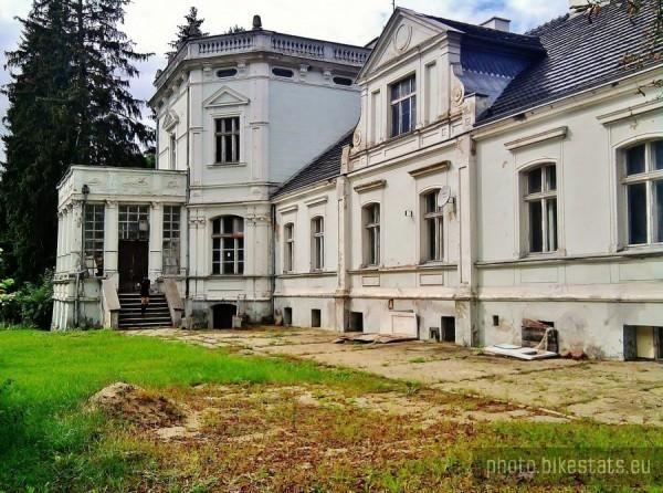 Nowa Wieś Rzeczna - Pałac