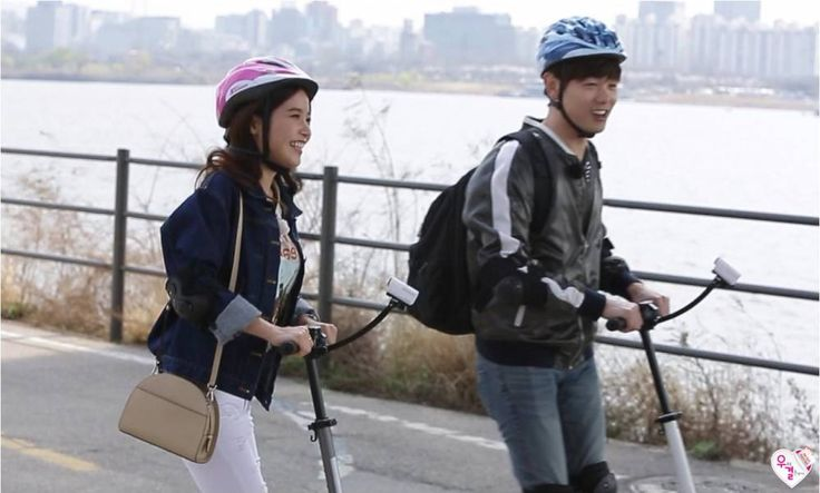 MAMAMOO's Solar and Eric Nam have a romantic Han River date on 'We Got Married' | http://www.allkpop.com/article/2016/04/mamamoos-solar-and-eric-nam-have-a-romantic-han-river-date-on-we-got-married