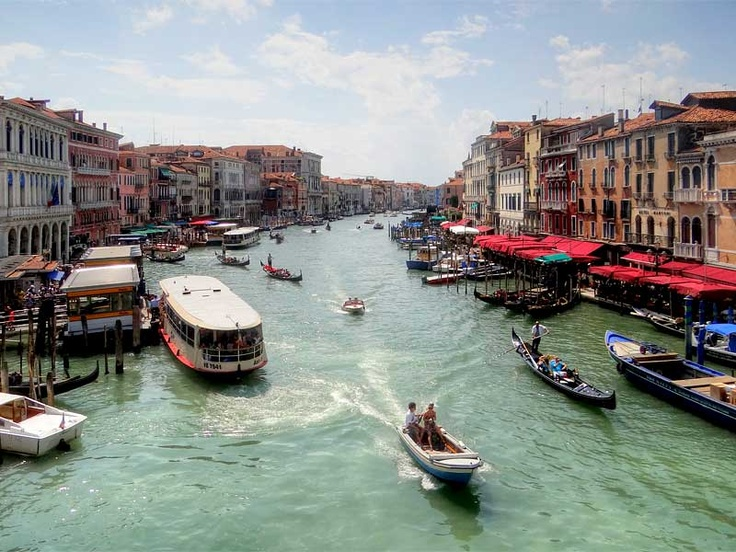 A summers day on the Grand Canal, Venice, Italy.
