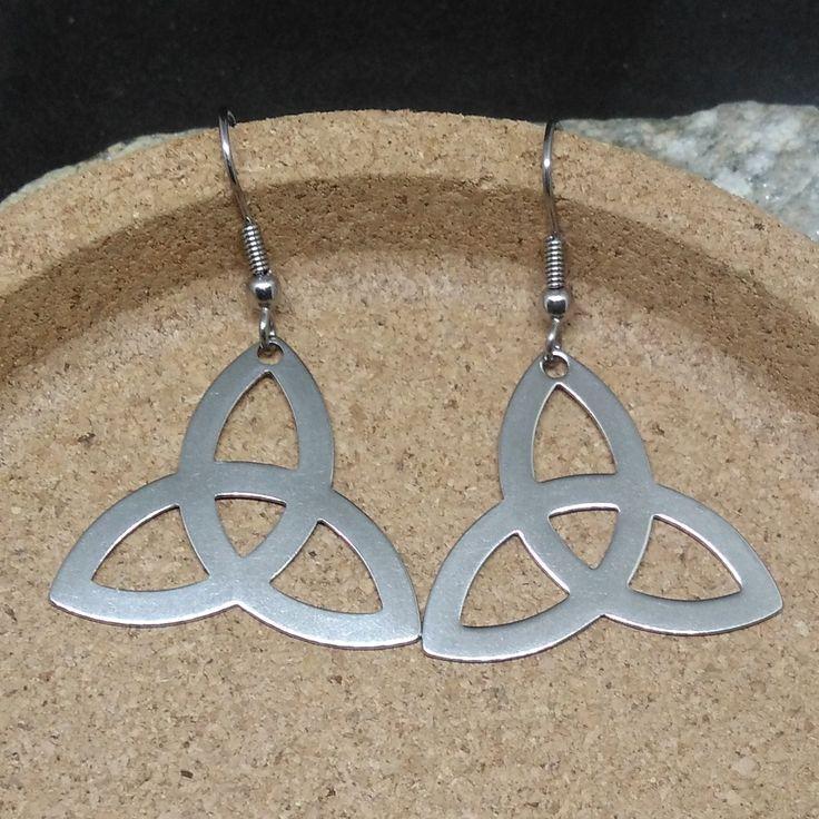 1 paire de boucles d/'oreille noeud celte acier inoxydable