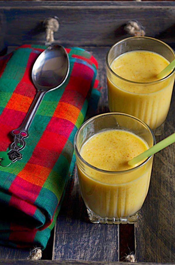 Mango almond milkshake: Here is a healthy and delicious take on mango milkshake. Rich,creamy and healthy mango milkshake recipe @ http://cookclickndevour.com/mango-almond-milkshake-recipe-how-to-make-mango-almond-milkshake