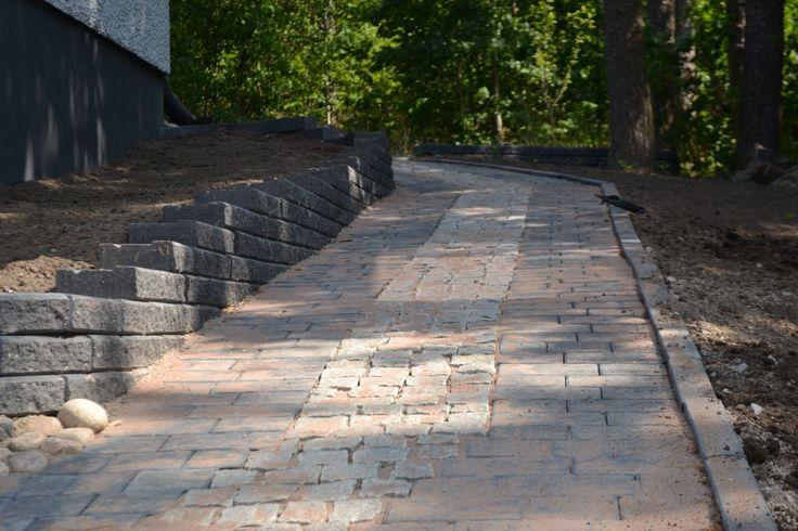 betonikiveä ja noppakiveä