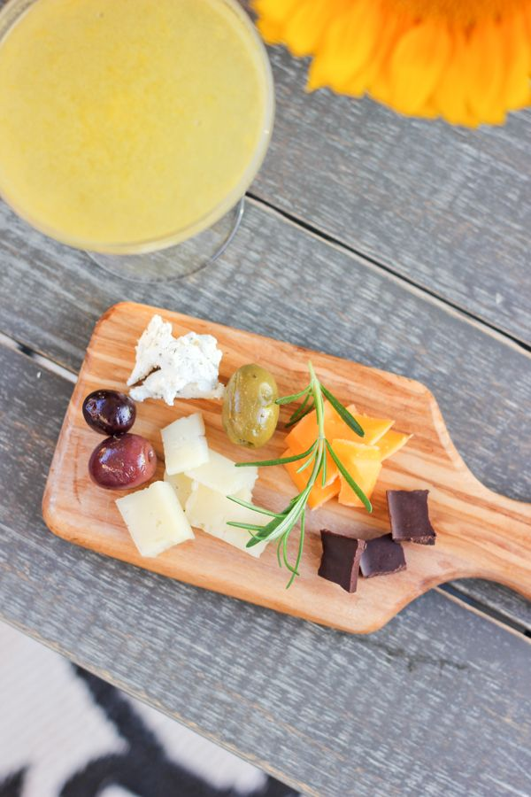 A Fabulous Fete a simple cheese plate // summer entertaining & 119 best Cheese platter images on Pinterest   Cheese plates Cheese ...
