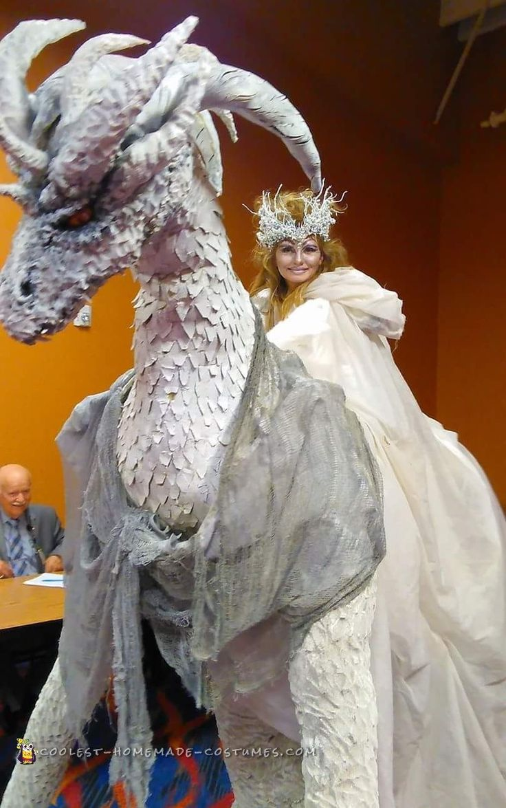 6494 best coolest homemade costumes images on pinterest homemade coolest recycled diy dragon princess costume for halloween solutioingenieria Image collections