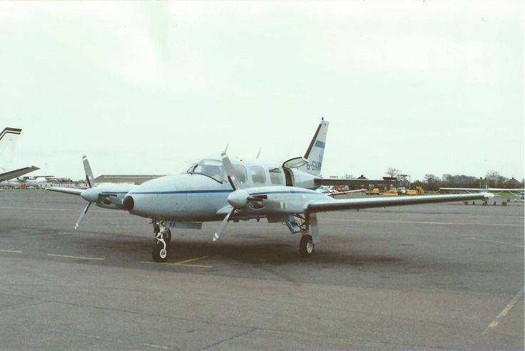 GSKKA PA31-310 Southend Airport 1989