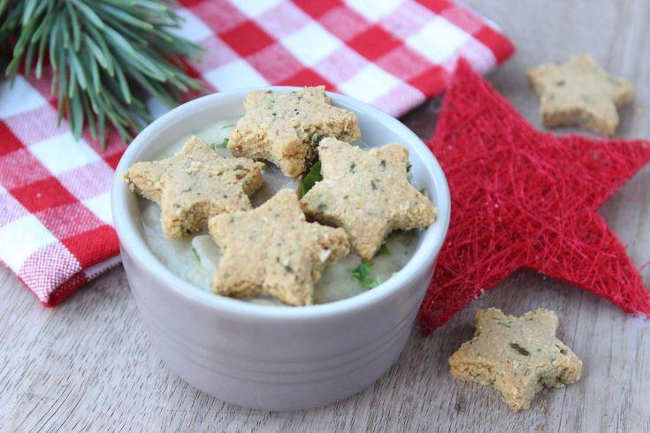 Heerlijk recept voor vega champignonragout met sterrenkoekjes. Warm voorgerecht of bijgerecht zonder vlees. Staat superleuk met kerstmis!