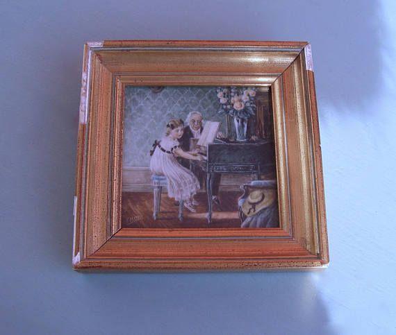 Miniature peinte/peinture en couleur/ petite fille au piano
