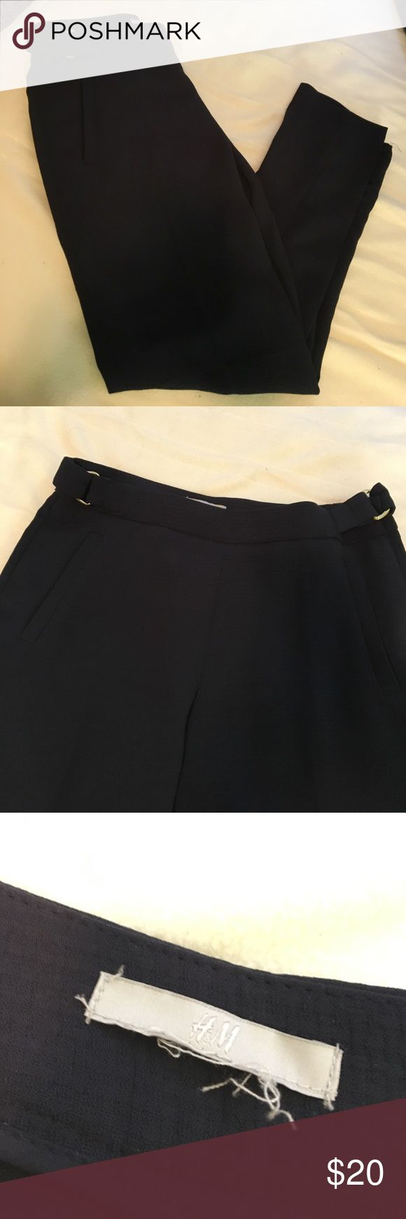Navy blue dress pants NWOT H&M NWOT navy blue dress pants. So comfy and so cute!! H&M Pants Trousers