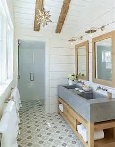 Indoor/outdoor Pool Bathroom