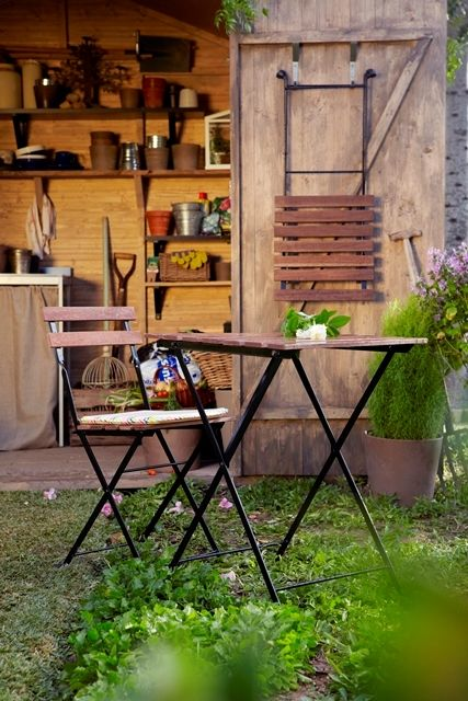 Talk about connecting with nature at your own backyard. TARNO chairs is the best item to achieve that ambiance.