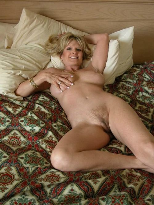 amateur exhibition mature hurle