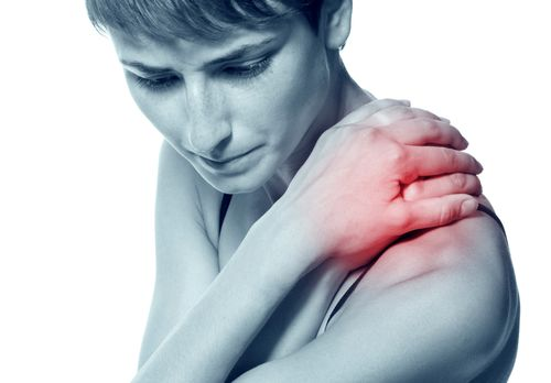 La Fibromyalgie est une maladie qui se caractérise par des douleurs musculaires à différents endroits du corps, associées à des troubles du sommeil et à une sensation de grande fatigue. Cette maladie chronique qui toucherait près de 2% des Français...