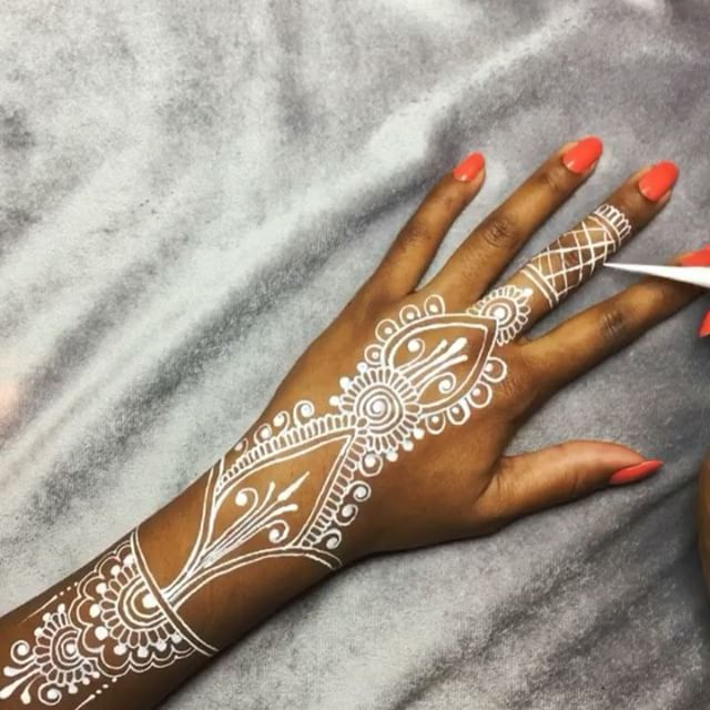 29 Best Wedding Body Paint Henna Images On Pinterest: 17 Best Ideas About White Henna On Pinterest