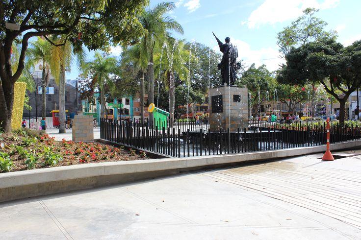 Foto escultura Simón Bolivar