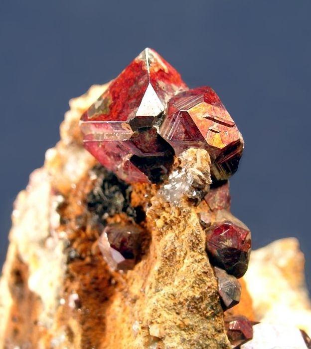 63 best Rock specimens images on Pinterest   Crystals minerals ...