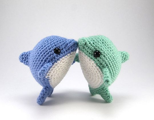 Pearl the Dolphin - Amigurumipatterns.net