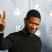 Usher | GRAMMY.com: Sexy Newlyweds, Usher Baby, Sexy People, Newlyweds Life, Attraction Usher, Holy Hott, Hip Hop, Usher Raymond