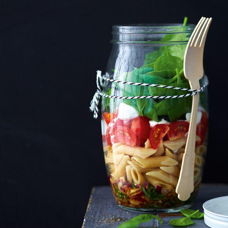Italiaanse pastasalade in een pot 9 Smart Points