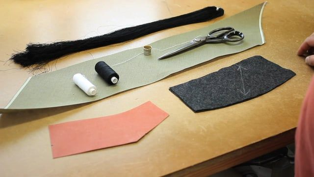 Hand-made collar with pad stitching. Great instruction video from The Yorkshire Tailor.