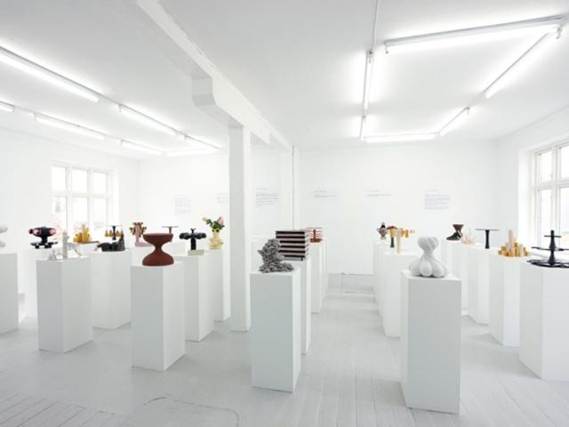 Ceramics exhibition: Stands Exhibitions, Ceramics Exhibitions, Danishes Design, Danishes Crafts, Copenhagen Ceramics, Display Ideas, 30 Cakes, Cakes Stands, Ceramics Series